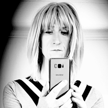 crossdresser iphone